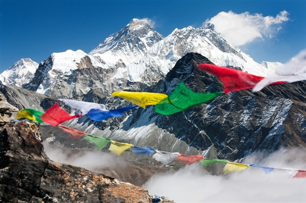 Everest facts and figures for How long does it take to build a new house