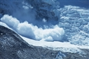 Earthquake triggers avalanche on Everest