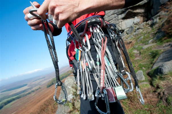 Online climbing gear  are you buying safe equipment  0f1110b57c7c